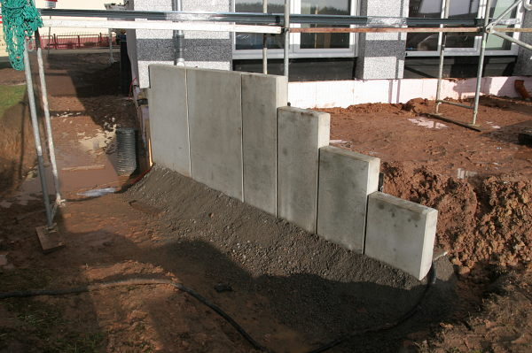 Side view of the concrete wall for our terrace.